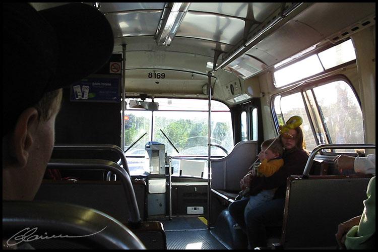 200209bus01